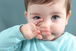 Como higienizar o nariz do seu bebé de forma segura e eficaz?